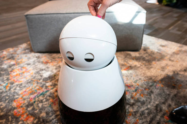 Kuri the Adorable Home Robot at TED2018 - The Age of Amazement, April 10 - 14, 2018, Vancouver, BC, Canada. Photo: Jason Redmond / TEDs
