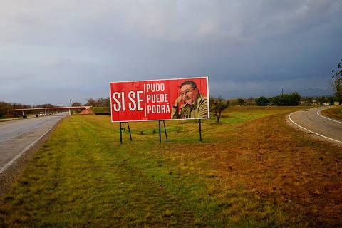 Raúl Castro sai de cena, mas não deixa o poder em Cuba