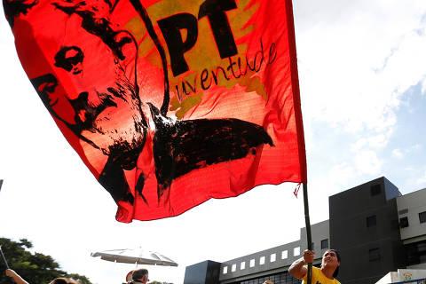 PT mantém eleitor disperso para preservar influência de Lula