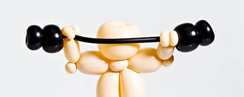 Sao Paulo, SP, BRASIL, 09-04-2013 11h48:Caderno Equilibrio. Escultura feita em bixiga para ilustrar materia sobre meninos que malham demais. (Foto Eduardo Knapp/Folhapress. EQUILIBRIO)