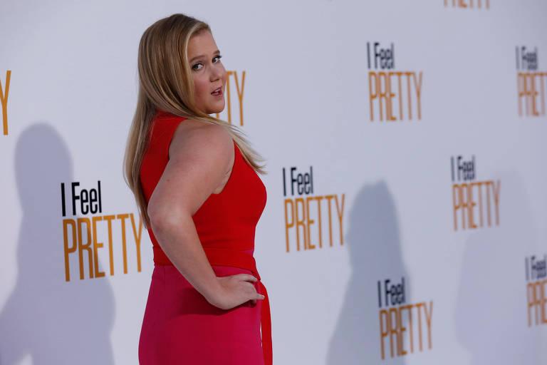 """Atriz Amy Schumer posa na pré-estreia de """"Sexy Por Acidente"""" em Los Angeles 17/04/2018 REUTERS/Mario Anzuoni"""