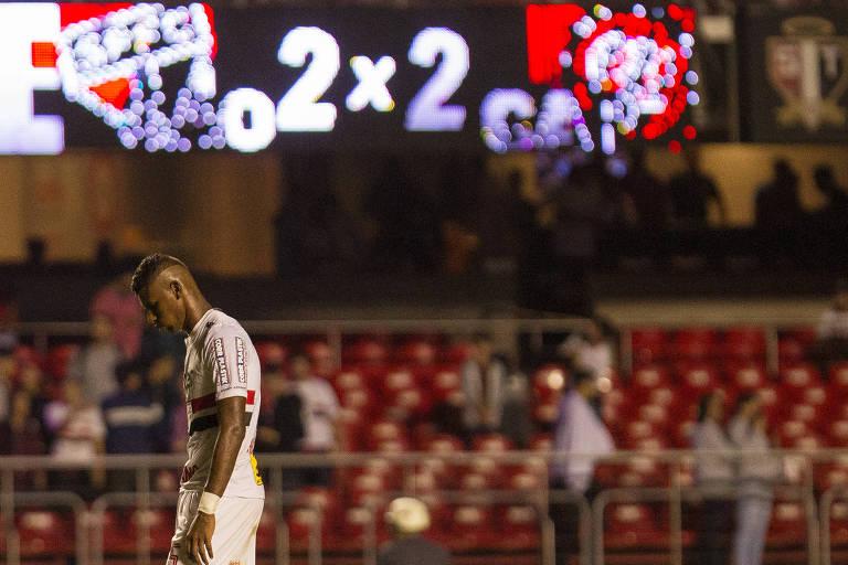 Arboleda, do São Paulo, em partida contra o Atlético-PR no Morumbi, pela Copa do Brasil
