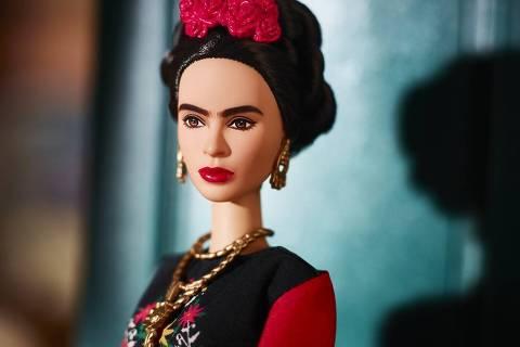 Frida Kahlo é a boneca Barbie em coleção que homenageia ícones femininos