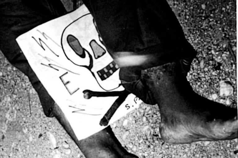 """Formadas por policiais, grupos de extermínio em SP deixavam desenhos de caveiras junto aos corpos para """"assinar"""
