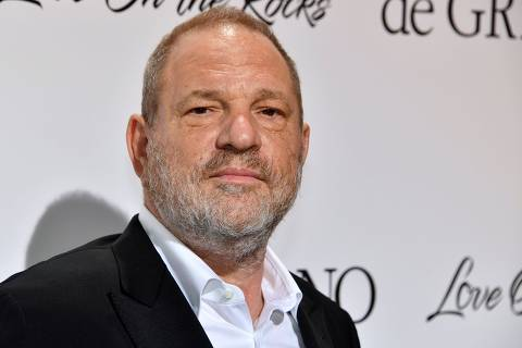 (FILES) This file photo taken on May 23, 2017 shows US film producer Harvey Weinstein attending the De Grisogono Party on the sidelines of the 70th Cannes Film Festival in Antibes, France.  The New York Times and The New Yorker won the Pulitzer Prize for public service on April 16, 2018, for explosive reporting that brought down Harvey Weinstein and spawned a cultural watershed on the issue of sexual harassment. / AFP PHOTO / Yann COATSALIOU