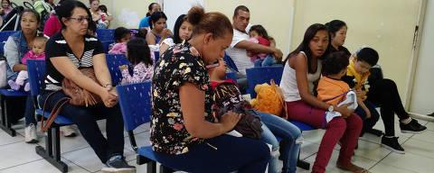 SAO PAULO, SP, 20/04/2018, BRASIL - OS HOSPITAIS INTANTIS ESTAO LOTADOS - 13:05:28 - Hospitais infantis publicos estao com as emergencias lotadas por causa da mudanca de tempo dos ultimos dias. Geral da recepcao do hospital Candido Fontoura, na zona leste. (Rivaldo Gomes/Folhapress, NAS RUAS) - ***EXCLUSIVO AGORA*** EMBARGADA PARA VEICULOS ONLINE***UOL, FOLHAPRESS E FO LHA.COM CONSULTAR FOTOGRAFIA DO AGORA***FONES 32242169 E 32243342***