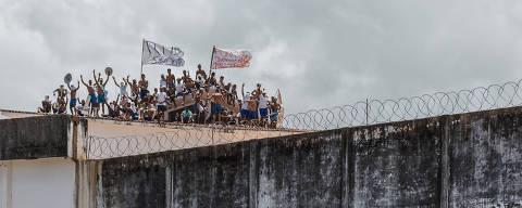 ALCACUS, RN, BRASIL, 16-01-2017: Presos rebelados na Penitenciária Estadual de Alcaçuz . (Foto: Avener Prado/Folhapress, COTIDIANO) Código do Fotógrafo: 20516 ***EXCLUSIVO FOLHA***