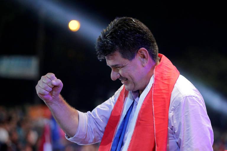 O candidato do Partido Liberal, Efraín Alegre, durante comício na última quinta (19)