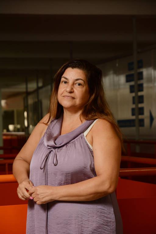 Nádia Martins, 55, psicóloga, católica, mora na Vila Mazzei (zona norte)