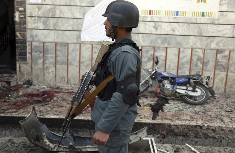 Homem-bomba deixa vários mortos no Afeganistão