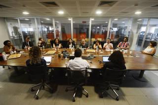Encontro com eleitores de Lula na redação da Folha.