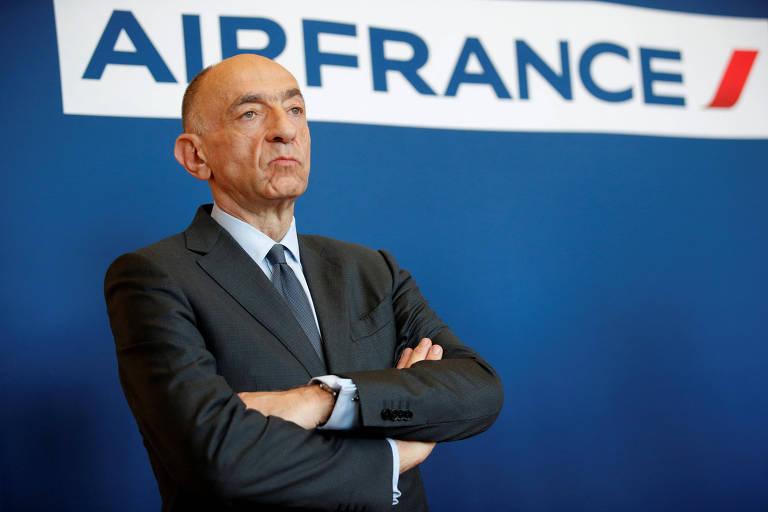 O CEO da Air France-KLM, Jean-Marc Janaillac, durante conferência de imprensa em Paris sobre a greve dos funcionários da companhia