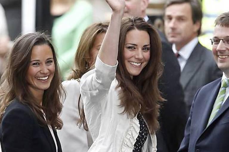 Pippa e Kate Middleton em 2011