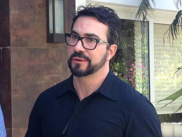 Padre Fábio de Melo conversa com Roberto Cabrini para Conexão Repórter (SBT)
