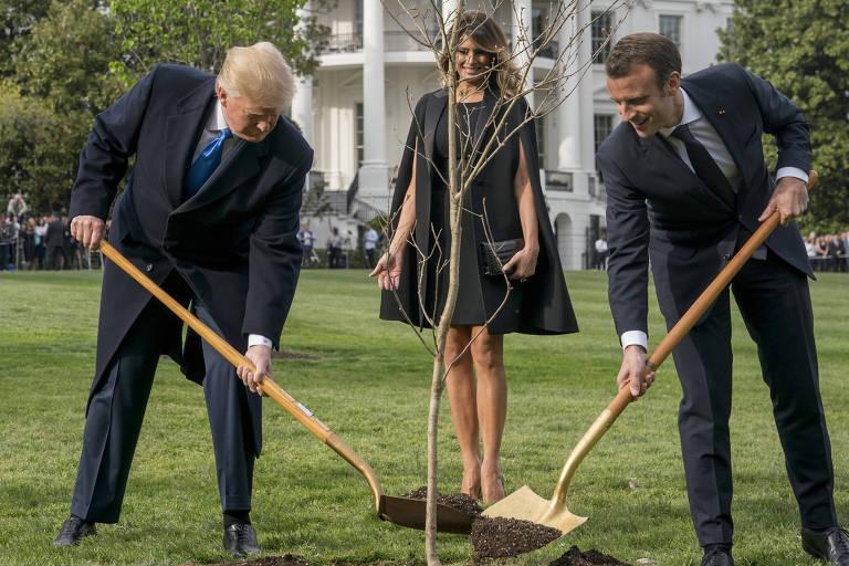 Andrew Harnik/Associated Press