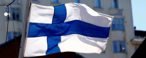 FILE PHOTO: Finland's flag flutters in Helsinki, Finland, May 3, 2017. REUTERS/Ints Kalnins/File Photo ORG XMIT: HFS-INK106