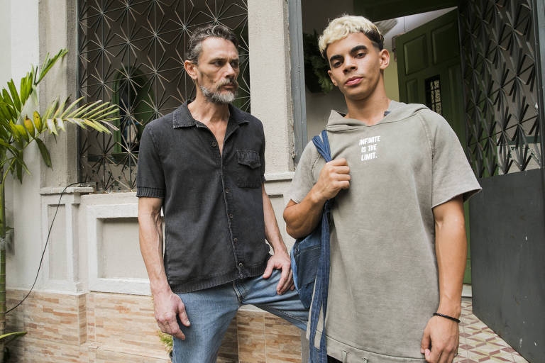 Leandro ( Dhonata Augusto ) e Tom ( Daniel Ribeiro )