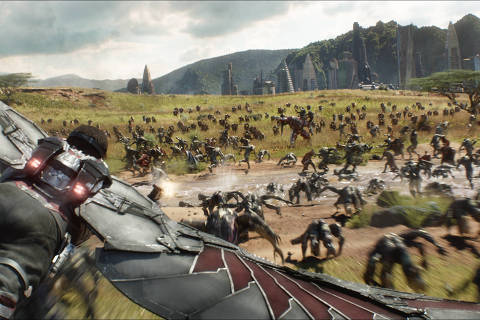 Marvel Studios' AVENGERS: INFINITY WAR..Falcon (Anthony Mackie) flying over Wakanda battlefield..Photo: Film Frame..©Marvel Studios 2018