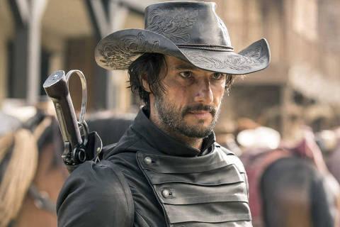 Rodrigo Santoro no papel de Hector Escaton, vilão da série
