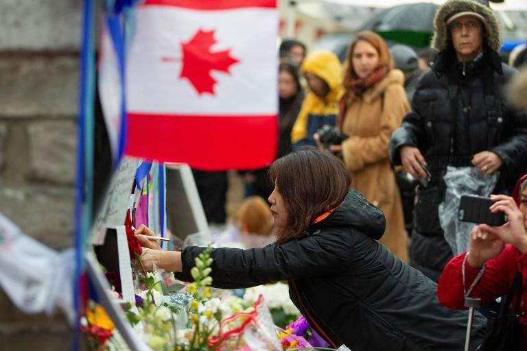 Autor de ataque em Toronto visou mulheres e deixou mensagem em rede social