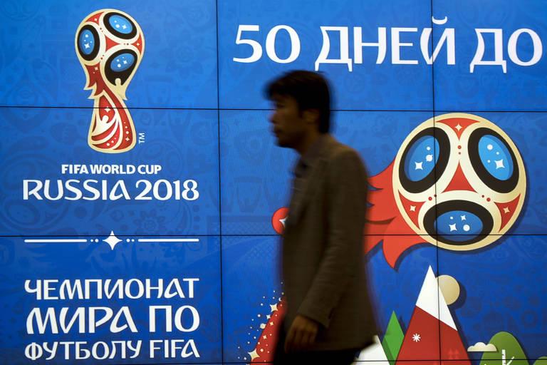 Painel marca que faltam 50 dias para o início da Copa do Mundo