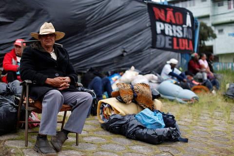 """""""Sairemos maiores e mais fortes"""", diz Lula em carta ao MST"""