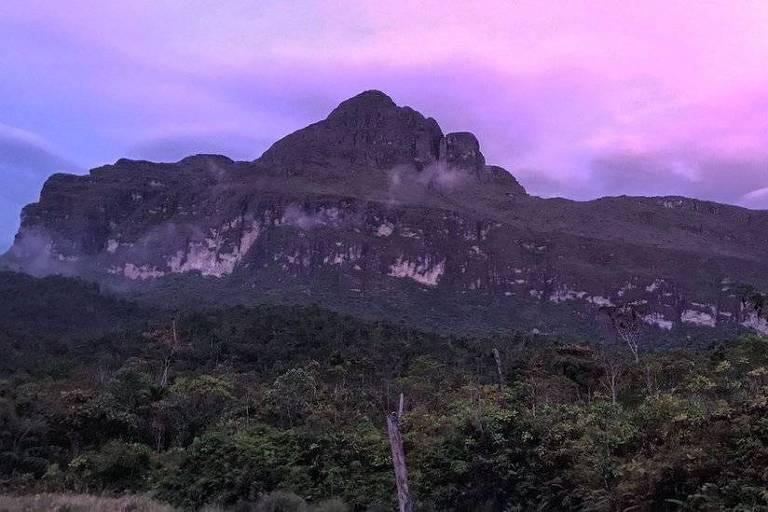Pico da Neblina fica dentro do território yanomami, perto da fronteira com a Venezuela