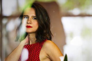 Retrato da atriz Bianca Comparato