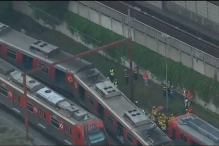 Trem da CPTM descarrila perto da estação Brás, no centro de SP