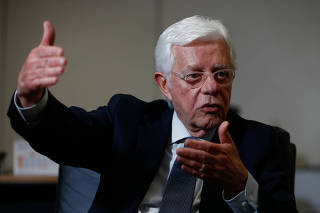 O ministro de Minas e Energia, Moreira Franco, durante entrevista à Folha