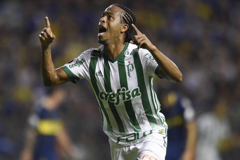 Keno celebra seu gol na Bombonera, o primeiro do Palmeiras