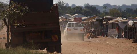 *** ESPECIAL MUNDO *** ESTAS FOTOS ESTAO PROIBIDAS  DE SER COMERCIALIZADAS PELA FOLHAPRESS ***  Main entrance of zone 1. Yumbe, Uganda - Bidi Bidi refugee camp - nov.22/23.2017  Crédito  Eduardo Asta / Arquivo Pessoal DIREITOS RESERVADOS. NÃO PUBLICAR SEM AUTORIZAÇÃO DO DETENTOR DOS DIREITOS AUTORAIS E DE IMAGEM