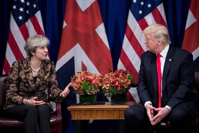 Fotografia de setembro de 2017 mostra Theresa May, a primeira-ministra britânica, e Donald Trump, presidente dos EUA, durante encontro em Nova York na ocasião da 72ª Assembleia Geral da ONU