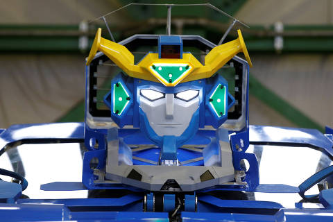 A new transforming robot called