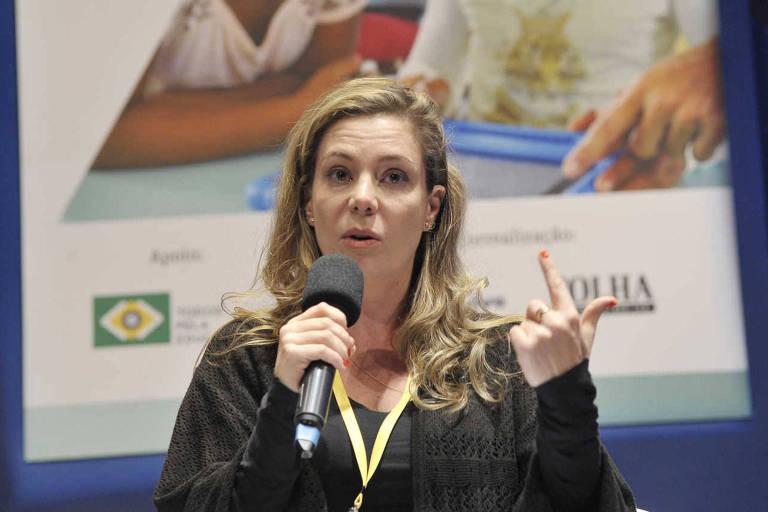 Priscila Cruz, fundadora e presidente-executiva do movimento Todos Pela Educação, fala durante seminário promovido pela Folha, em maio de 2017