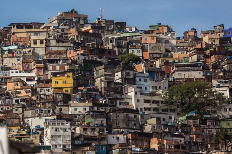 Vista da favela da Rocinha, na zona sul do Rio de Janeiro