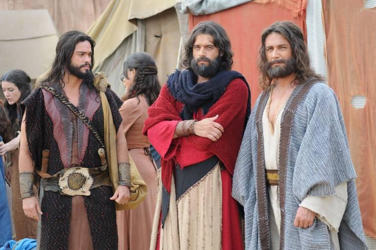 """Cena de """"Os Dez Mandamentos"""", uma das produções bíblicas da Record"""