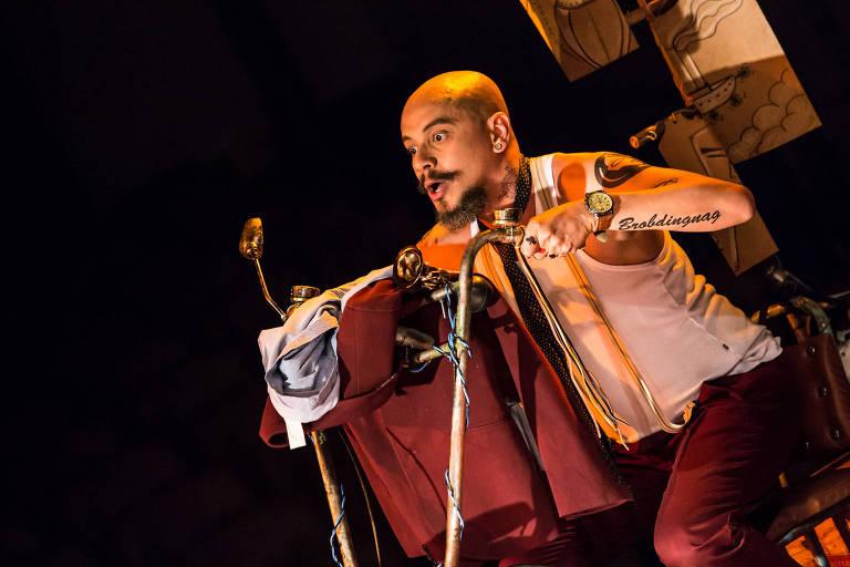 O ator Eduardo Almeida interpreta Juvenal na peça infantil