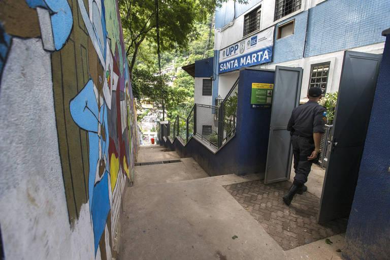 Fachada da UPP Santa Marta