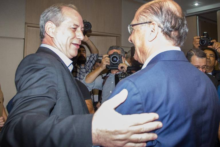 Os pré-candidatos Ciro Gomes (PDT) e Geraldo Alckmin (PSDB) em evento da UGT nesta sexta-feira (27)