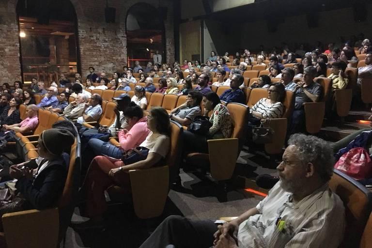 """As psicanalistas Cândida Sé Holokov e Miriam Tawil participam de debate sobre o filme """"Uma Mulher Fantástica"""" no Ciclo de Cinema e Psicanálise, na Cinemateca Brasileira, em São Paulo"""