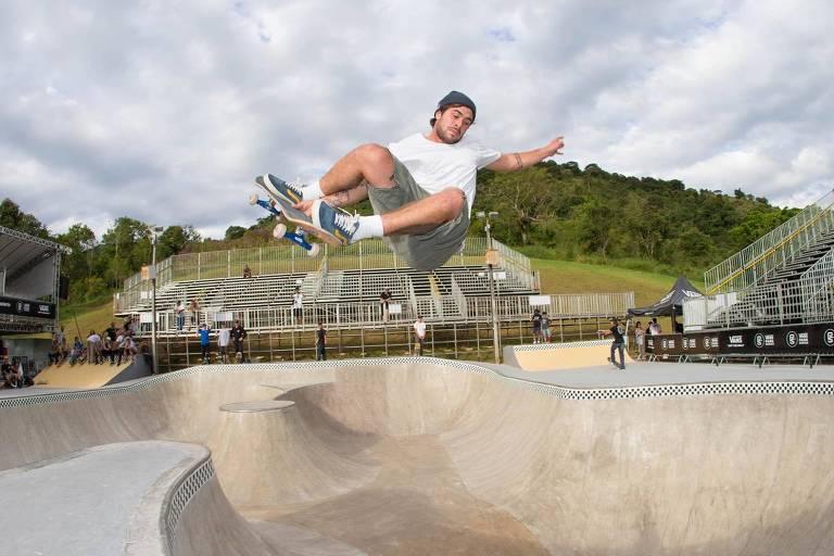 Pedro Barros durante treino para o Mundial de Skate