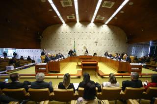 Vista geral de sessão plenária no STF