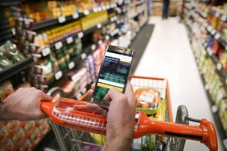 Plataforma na internet faz as compras de supermercado