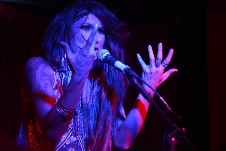 Verónica Valenttino canta Belchior