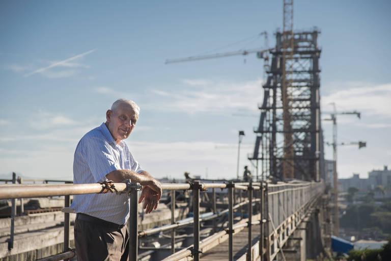 Aos 81, funcionário trabalha há quase 60 anos em ponte de SC