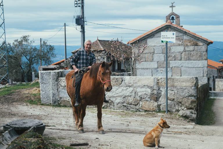 Aldeias que desaparecem em Portugal buscam turismo como única salvação