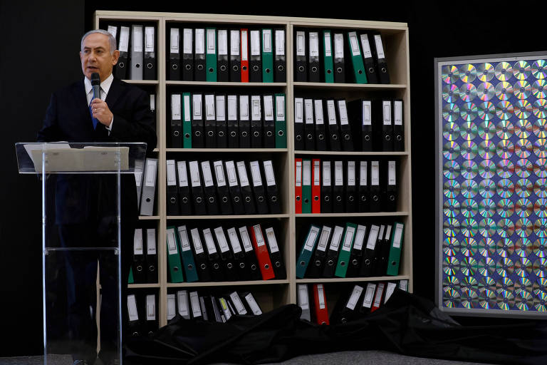 O primeiro-ministro israelense Binyamin Netanyahu, durante seu discurso nesta segunda-feira (30)
