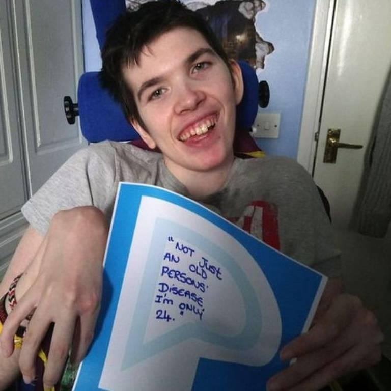 Menino foi diagnosticado com Parkinson aos 11 anos, condição geralmente associada a pessoas com mais de 60 anos