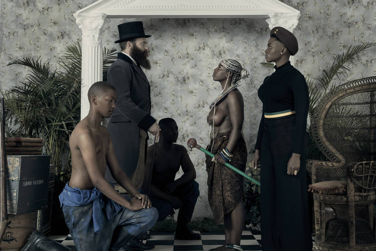 'Genesis', imagem do artista Kudzanai Chiurai, do Zimbábue, exposta na mostra 'Ex África'